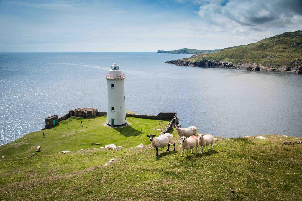Ardnakinna Lighthouse, Bere Island